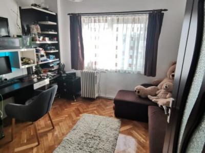 Apartament 4 camere | decomandat | etaj intermediar | Calea Floresti !