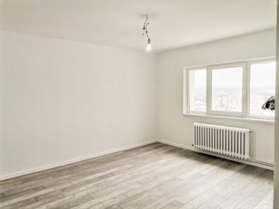 Apartament renovat cu 3 camere decomandate | 74 mp utili |Pod Calvaria